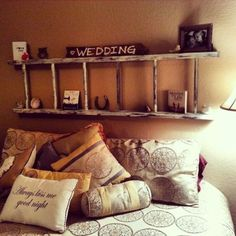 great DIY headboard ideas to spice up your bedroom! - Sweet DIY great DIY headboard ideas to spice up your bedroom!This headboard has a storage compartment behind the head and another over it. Rustic Ladder, Ladder Decor, Vintage Ladder, Bench Decor, Wall Decor, Tv Decor, Headboard Designs, Headboard Ideas, Wood Headboard