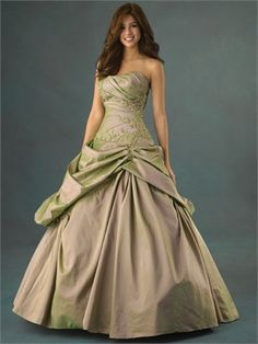 Ball Gown Scoop Neckline with Appliques Floor Length Taffeta Quinceanera Dress QD1133 www.dresseshouse.co.uk £138.0000