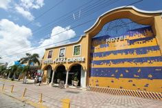 Hotel Plaza Caribe (Avenida Tulum con Avenida Uxmal Lote 19. Sm 23) Hotel Plaza Caribe is located in central Cancun, and just in front is the ADO bus station. The hotel features fitness centre, outdoor swimming pool, on-site restaurant and a snack bar. #bestworldhotels #hotel #hotels #travel #mx #cancun
