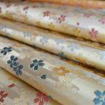 全正絹 西陣 金襴 さくら紋様 We woven the design of cherry blossoms.  #cherry #sakura #fabric #textiles #silk #SilkBrocade #design #Cherry Blossoms http://okamotoorimono.com/products/sakura/