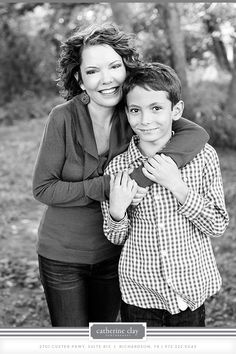 children photography, fall what to wear ideas, family photos, mother and son, outdoor pictures // Dallas photographer Catherine Clay Mother Son Photography, Children Photography, Photography Poses, Family Photography, Digital Photography, Mother Son Poses, Mother Son Pictures, Brother Poses, Children Pictures