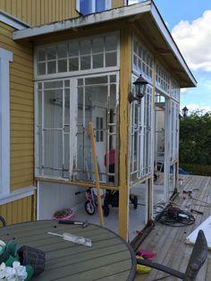 Renovering glasveranda – Rebecca Dufwall Sunrooms, Porch, Home Appliances, Windows, Doors, Outdoor Decor, House, Beautiful, Home Decor