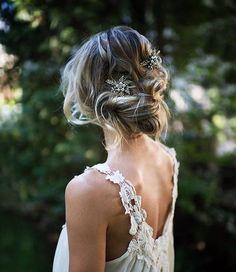 Idealidades para las noches de verano #ATCloves #boda #wedding #hairdo #hair #love #messy #bun #casamento #marriage #w...