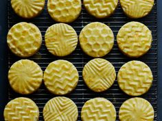 Stamped Citrus Shortbread Glaze: 1 T melted butter, 1 tsp light corn syrup, 2 T orange juice, 1 (scant) drop orange oil, 1 c powdered sugar Recipe made Bake min Best Christmas Cookies, Christmas Sweets, Christmas Kitchen, Christmas Goodies, Shortbread Recipes, Shortbread Cookies, Small Spoon, Pastry Brushes, Oranges And Lemons