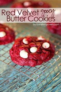 Red Velvet Gooey Butter Cookies #recipe | Perfect sweet treat for Valentine's Day and it starts from a box of cake mix! Gooey Butter Cookies, Butter Cookies Recipe, Yummy Cookies, Cake Cookies, Sugar Cookies, Cake Mix Recipes, Cookie Recipes, Dessert Recipes, Bar Recipes