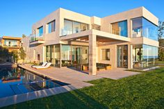 Photo by Berlyn Photography The 10,000 square foot Birdview residence is beyond impressive to say the least. It was significantly remodeled by architect Do