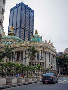 Um dos mais belos edifícios do mundo, o Teatro Municipal do Rio de Janeiro, Brasil