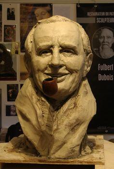 Fulbert DUBOIS sculpteur sculpture portrait Tolkien argile 2