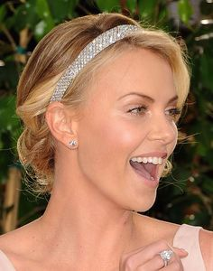 Charlize Theron's headband would make a PERFECT wedding accessory! (Hair by Enzo Angileri for Cloutier Remix)