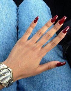 griffes : clawnails, le retour de la tendance des ongles griffes ❤️ Seems like the kind of nails Rihanna would rock!❤️ Seems like the kind of nails Rihanna would rock! Perfect Nails, Gorgeous Nails, Pretty Nails, Burgundy Nail Designs, Burgundy Nails, Dark Red Nails, Red Burgundy, Oxblood Nails, Black Coffin Nails