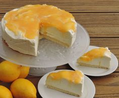 A lemon curd cheesecake that you can easily make without an oven. Lemon Curd Cheesecake, Cheesecake Desserts, Limoncello, Baking Bad, Pastry Cake, Cake Cookies, Cupcakes, High Tea, Eat Cake