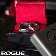 Knurled Ring Review: The box is rig material and after opening it a bald eagle cried out. I slipped it on my finger and instantly started stomping around like hacksaw Jim Dugan. Hooooooooooo!!! Fits perfect and helps drip the 2x4.  Link in bio. #ryourogue