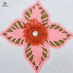 Good Absolutely Free hand embroidery flower design Tips I love Jeans ! And even more I want to sew my own, personal Jeans. Next Jeans Sew Along I'm plan Hand Embroidery Flower Designs, Diy Embroidery Patterns, Ribbon Embroidery Tutorial, Basic Embroidery Stitches, Hand Embroidery Videos, Sashiko Embroidery, Embroidery Flowers Pattern, Creative Embroidery, Learn Embroidery