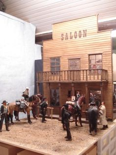 saloon in scale Barbie And Ken, Miniture Things, Old West, Dollhouses, Scale Models, Art Dolls, Action Figures, Victorian, Horses
