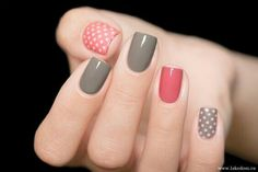Nail art - grey red manicure