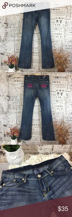 """Victoria Beckham for Rick and Republic Jeans Sz 28 These jeans are new without tags. The plastic is there but the paper got torn off. They are Sz 28 waist, inseam is 33"""", Boot Cut. These are the 'London' cut. Made in USA. Rock & Republic Jeans Boot Cut"""