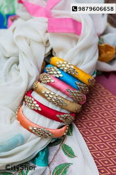 Silk Thread Bangles Design, Silk Thread Necklace, Beaded Necklace Patterns, Thread Jewellery, Kundan Bangles, Silk Bangles, Bridal Bangles, Homemade Necklaces, Wedding Mehndi Designs