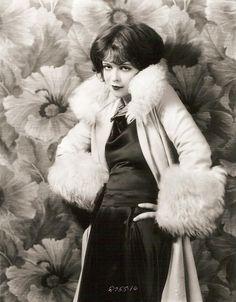 Clara Bow - beautiful!