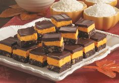 Anna Olson's Chocolate Orange Nanaimo Bars Bite Size Desserts, Great Desserts, No Bake Desserts, Bar Cookies, No Bake Cookies, Cookie Bars, Austrian Recipes, German Recipes, Chef Recipes