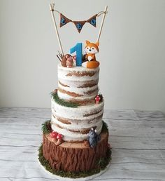 Trendy Birthday Cake Ideas For Boys Ideas Boys 1st Birthday Cake, Picnic Birthday, Wild One Birthday Party, Birthday Ideas, Woodland Theme Cake, Woodland Party, Bolo Nacked, Fox Cake, Torta Baby Shower