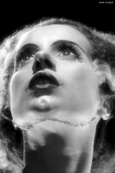 Elsa Lanchester - The Bride Of Frankenstein Classic Horror Movies, Horror Films, Horror Art, Horror Stories, Retro Horror, Vintage Horror, The Munsters, Classic Hollywood, Old Hollywood