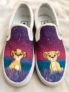 Simba and Nala, The Lion King, Vans, Painted Vans Disney Painted Shoes, Painted Vans, Disney Vans, Disney Shoes, Custom Vans Shoes, Customised Shoes, King Shoes, Le Roi Lion, Hype Shoes