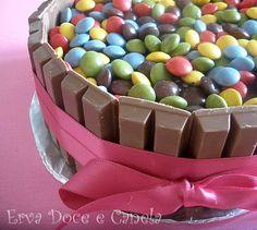Erva Doce e Canela: Bolo de Chocolate e Café com recheio de Curd de Limão para um aniversário muito especial