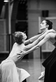 ballet ballerina danseur etoile Paris Opera Ballet rehearsal onegin Dorothée Gilbert laura hecquet audric bezard leonore baulac germain louvet Hugo Marchand nais dubosq stephane bullion