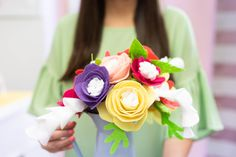 Make your own gorgeous, felt flower arrangement with Beacon Felt Glue! These are a great alternative to real flowers becauase they last forever. Wire Flowers, Real Flowers, Do It Yourself Projects, Do It Yourself Home, Felt Glue, Craft Box, Craft Ideas, Flower Template, Easter Table