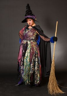another idea for the Witch - I'd like her to always have her broom, using it as a prop and dancing w/ it