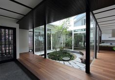 中庭 #entrance #ideas #mudroom #courtyard #japanese #modern #architecture #japan #remodeling