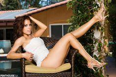 Erika Jordan's Feet << wikiFeet