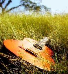 Google Image Result for http://www.jonezetta.com/wp-content/uploads/2010/06/Country-Guitar.jpg