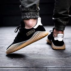 ADIDAS KAMANDA COMMING SOON... - @sneakers76 in store online @adidasoriginals #adidasoriginals #adidaskamanda #kamanda Photo credit #sneakers76 #sneakers76hq #teamsneakers76 ITA - EU free shipping over 50 ASIA - USA TAX FREE ship 29 #instakicks #sneakers #sneaker #sneakerhead #sneakershead #solecollector #soleonfire #nicekicks #igsneakerscommunity #sneakerfreak #sneakerporn #sneakerholic #instagood
