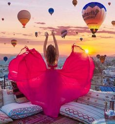 Image uploaded by WildChild. Find images and videos about pretty, pink and dress on We Heart It - the app to get lost in what you love. Girl Photography Poses, Creative Photography, Travel Photography, Capadocia, Turkey Travel, Beautiful Places To Travel, Meeting New People, Girl Photos, Bunt