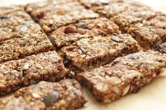 granola bars - raw or baked - energizing, healthy, delicious! - www.healthyhappysteffi.com