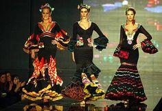 Aurora models dressed in editing Gaviño SIMOF 2010