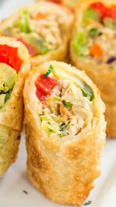 Chicken Avocado Egg Rolls ~ Crispy crunchy chicken avocado egg rolls are the BEST as a lunch, as a snack, as an appetizer, in short, any time anywhere!
