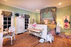 """BEDROOM:  What an amazing room for a teenage girl...It has such a """"Paris"""" feel!"""
