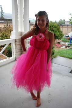 How to Make a Tutu for a Teen. Tutus are the short, layered tulle skirts that are an essential part of a ballerina's costume. However, they also make fabulous, funky skirts for teens. They are inexpensive to make, and can be created by the teen herself and adapted to suit her style. Make pretty tutus in pastel colors, Gothic tutus in black and red.