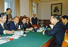 Fostering person-to-person ties: Daisaku Ikeda and Soviet Premier Aleksey Kosygin at the Kremlin (Moscow, 1974)
