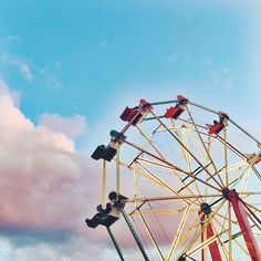 Rebecca Laurey by @RebeccaLaurey #FerrisWheel #Summer