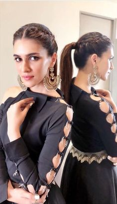 If you are bored with a normal ponytail go with this ponytail. Kurti Sleeves Design, Sleeves Designs For Dresses, Kurta Neck Design, Dress Neck Designs, Kurti Designs Party Wear, Kurta Designs, Frock Fashion, Fashion Dresses, Saree Hairstyles