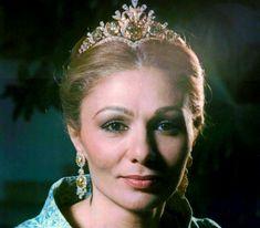 Empress Farah's Floral Tiara | The Court Jeweller