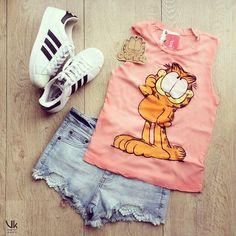🐾Garfield es de esos personajes que a todos nos encanta.  Ven por el tuyo🐱 . . . Visítanos en:  C.C. Santa Lucía Plaza Local N 2-13 Neiva  O compra Online😉 www.verukaonline.com . . . #santaluciaplaza #neiva #moda #modaneiva #jovenes #enero #modajuvenil  #ootd #pinta #pintacompleta #outfit #outfits #blusa #shorts #short #gafas #🐱#garfield