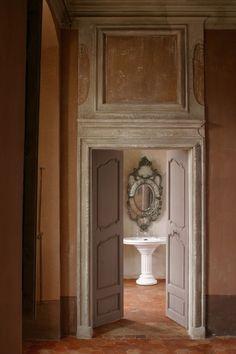 Salle de bain d'époque dans le château de Moissac