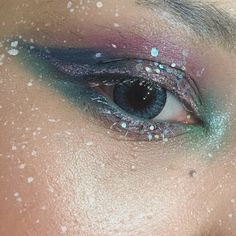 36 Jaw-Dropping Unicorn Makeup Ideas You Need for Halloween
