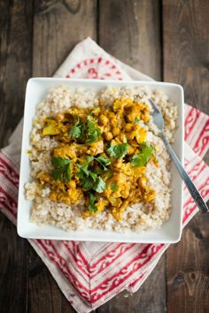 A small round-up of Naturally Ella vegan recipes Cauliflower And Chickpea Curry, Vegan Chickpea Curry, Cauliflower Recipes, Curry Recipes, Vegetarian Recipes, Cooking Recipes, Healthy Recipes, Ella Vegan, Homemade Curry
