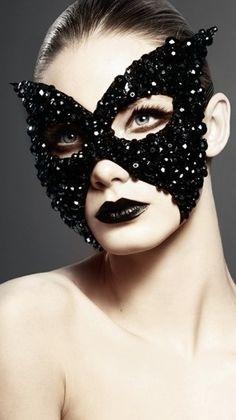 Masquerade ♥ Black Crystal Mask