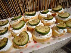 Les plaisirs de Carlie: Toasts brandade-courgettes